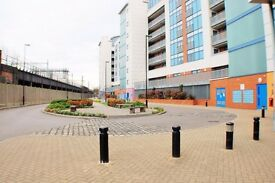 Amazing 2 Bedroom Modern Flat To Rent In Private Gated Development With En - Suite