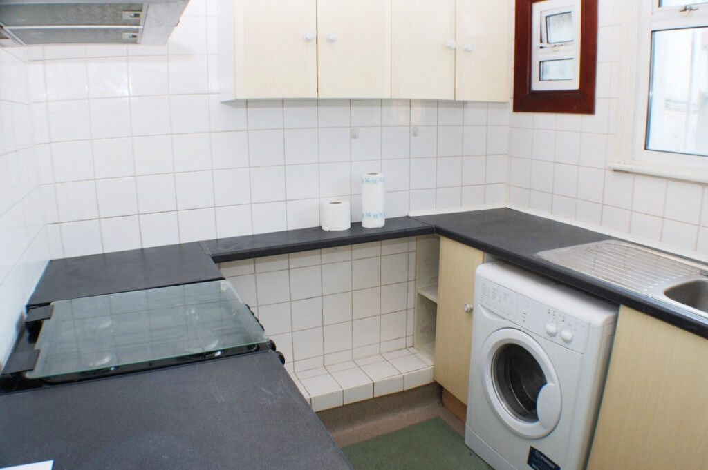 Spacious Double Two Bed Apartment Availble In New Cross