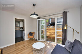 Gorgeous 3 Bed Gated Mews Terraced House in Mile End, E3