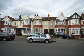 Spacious 4 bedroom house to rent on Lynford gardens, Goodmayes