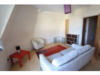 Lovely 2 bedroom flat available now !