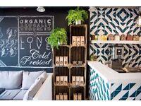 Kitchen Assistant : Organic Cold-Pressed Juice Bar + Kitchen