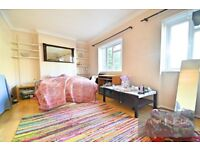 Lovely 3 bed flat located in the Oval - Camberwell area SE5