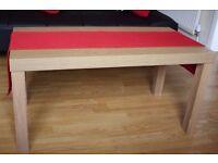 Table-runner, red
