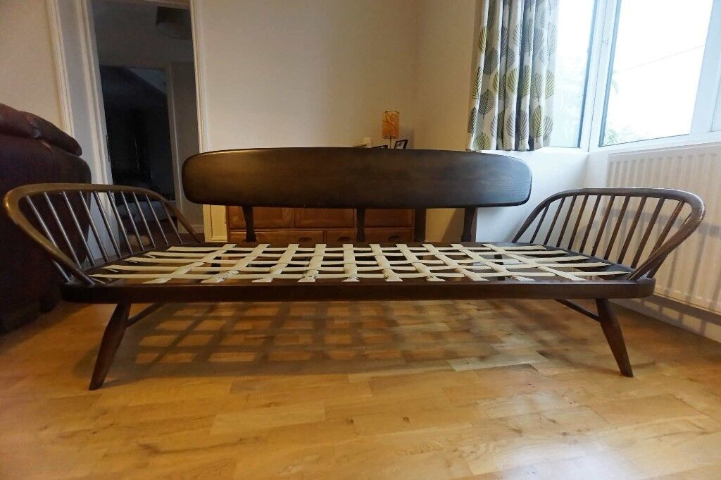 Ercol Day Bed Studio Couch Sofa Settee 3 Seater