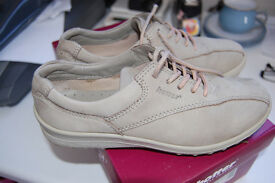 Ladies Hotter Comfort Concept Lace Up Shoes Size 3 - Cream