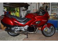 Honda Deauville NT650V