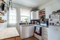 5.5 NDG , Great Location, MONKLAND VILLAGE