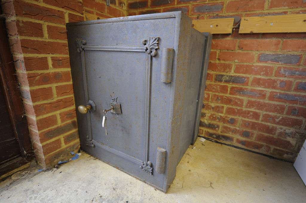 Milners Large Safe with Hobbs Lock