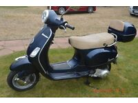 4SALE: Vespa Piaggio LX125. Immaculate and excellent condition. 1 careful owner