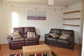 Newly decorated first floor 2 bedroom flat with private parking in central Aberdeen