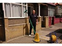 Hire the window cleaners in Liverpool who will clean any type of window
