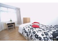 Short&Long let. Sunny, quiet Double room next to the station!