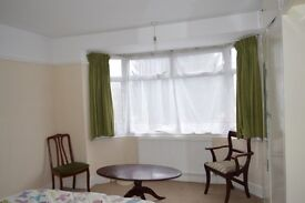 double room available in High Wycombe very closed to town centre £485 all inclusive