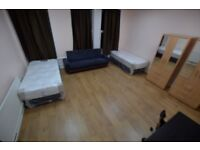 Massive Double/Twin room in Turnpike Lane