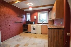 Fantastic Refurbished Two Bedroom Cottage Flat Ready NOW!