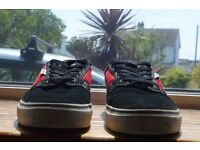 Black and Red Etnies Size 7 Skate Shoe