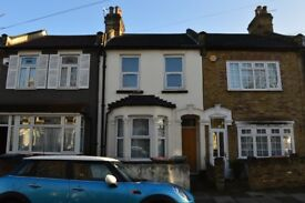 4 Bed Room House Near Stratford ( No Calls From Agent Please)