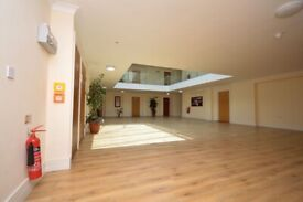 ^ Stunning 2 Bed Apartment - Modern - 2 Bathrooms - Living Room
