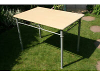 Dining/kitchen table, storable. Ideal for BBQs