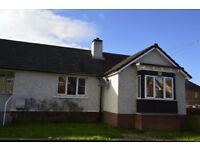 3 bedroom furnished semi-detached house to rent on Broomhouse Crescent