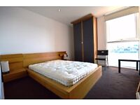 CHEAP 1 BED ROYAL DOCKS APARTMENT GOOD TRANSPORT LINKS AVAILABLE NOW