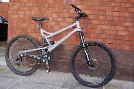 Mountain Bike MTB - Mongoose Teocali Comp - Full Suspension - Large
