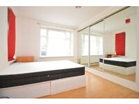 ***BEAUTIFUL 3 DOUBLE BED FLAT IN A QUIET PART OF CHARLTON. PERFECT FOR YOUNG FAMILY.**