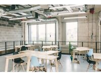Desk spaces in a creative community / Canning Town E14