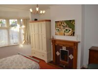 Very large and lovely, bright double room available immediately.
