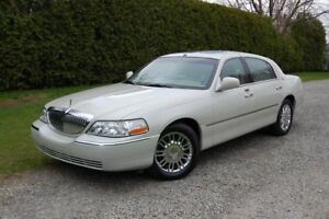 2007 Lincoln Town Car Limitée, SIGNATURE !! COMME NEUF !!!