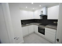 ABSOLUTELY AMAZING ONE BEDROOM GROUND FLOOR FLAT WITH GARDEN IN MITCHAM