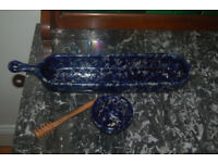 Dark blue long dish with handle and oil pot