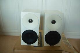 Bookshelf speakers New Amphion Helium 510