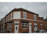 **NO DEPOSIT** Large 3 bed house, seperate lounge dining room, large kitchen, Working Only