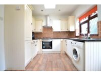 LARGE 3 BED HOUSE WITH DRIVE & GARDEN AVAILABLE NOW FOR LONG LET