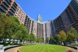 ## Stunning 1 Bed Apartment - RIVER VIEWS - Canary Wharf/Blackwall DLR