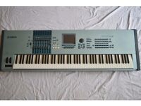 Yamaha Motif XS8 - 88-key synthesizer + Flight Case + Quicklok Heavy Duty Stand