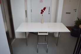 White Extendable Table with 2 Matching Chairs