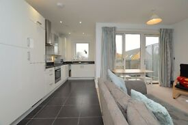 FANTASTIC 2 BED APARTMENT IN BERMONDSEY - AVAILABLE NOW - FURNISHED - ONLY £350 PER WEEK!!