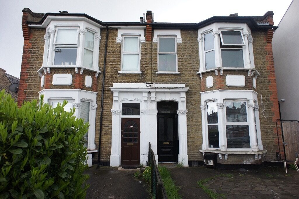 Brand new large Ground floor flat situated close to enfield town & public transport. BILLS INCLUDED