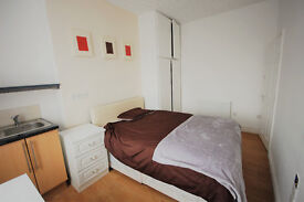 FANTASTIC LARGE DOUBLE ROOM TO RENT***NO DEPOSIT***ALL BILLS INCLUDED***