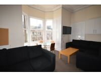 FESTIVAL: Tasteful and modern 7 bed flat with separate lounge available August