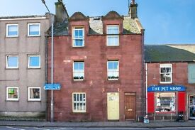 Large, light well furnished 2 bedroom flat in Townhouse - Central Stonehaven