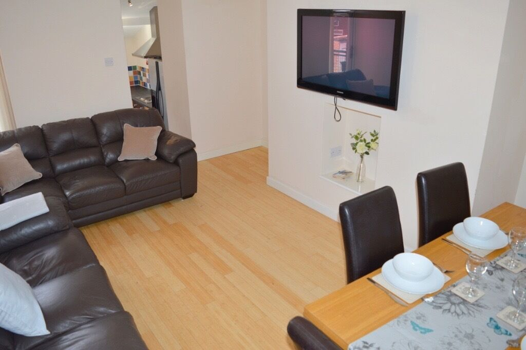 6 BEDROOM MAISONETTE AVAILABLE IN HEATON FROM 14/07/17 - £73pppw