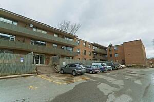 Deferred Last Month's Rent & 6 Month Free Parking! Peterborough Peterborough Area image 2