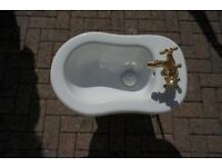 Traditional pedestal sink, bidet & toilet brass hardware and mixing tap for roll top bath