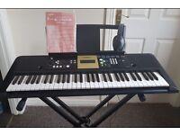 Yamaha YPT-220 digital keyboard