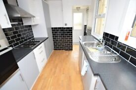 SPACIOUS 3 BEDROOM HOUSE FOR RENT AVAILABLE NOW *** PRIVATE GARDEN ***