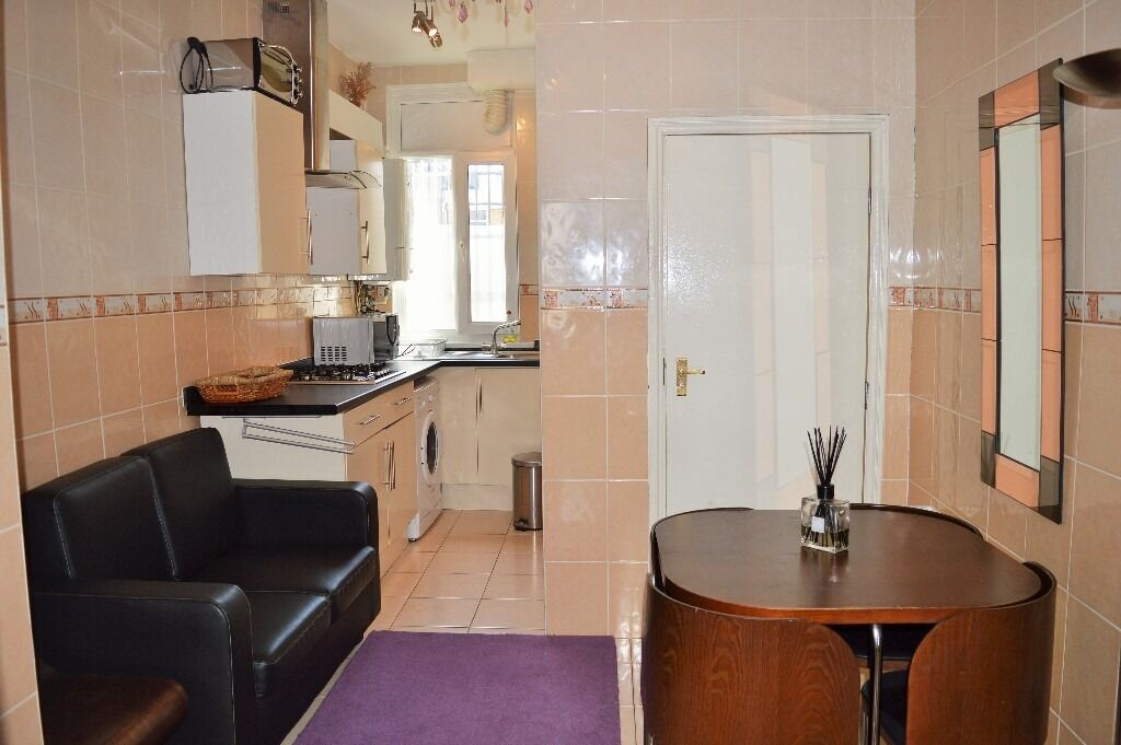 QMUL STUDENT HOME - TWO DOUBLE BEDROOM FLAT FOR RENT IN MILE END E1